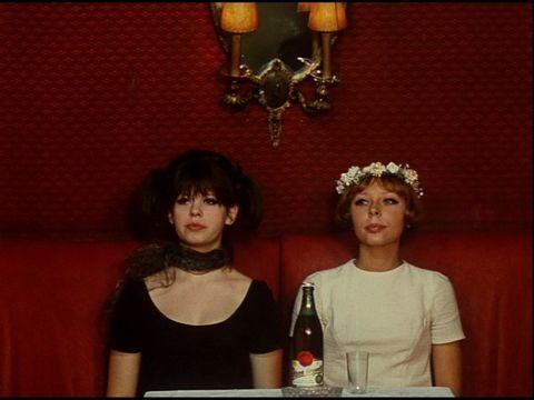 9 de marzo 2020          Doble sesión:           RÉPONSE DE FEMMES Agnès Vardà/ 8´/ 1975/Francia                                                      LAS MARGARITAS  Vera Chytilova/      74´/1966/ República Checa