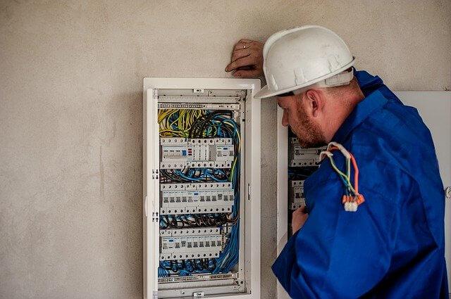 Schaltschrankmonteur - übertarifliche Jobs in Schipkau