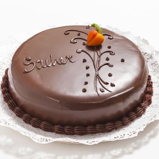 Torta Sacher. €25/kg