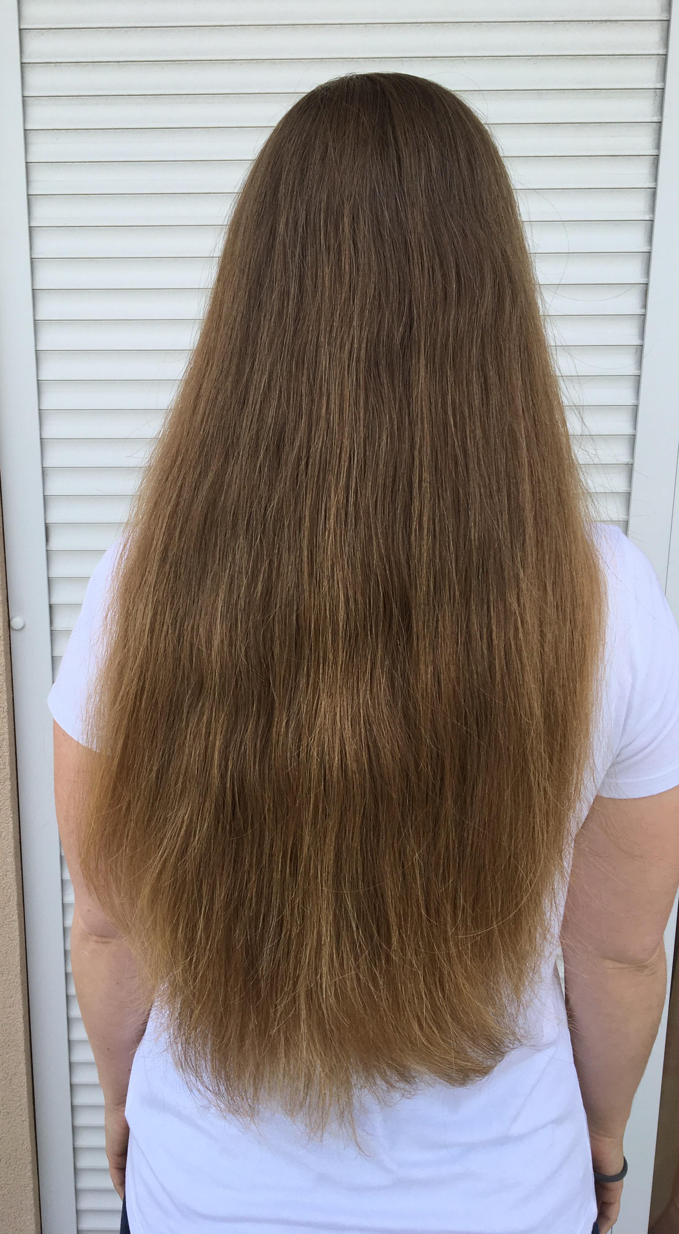 Egy kép amikor a haj ki van engedve