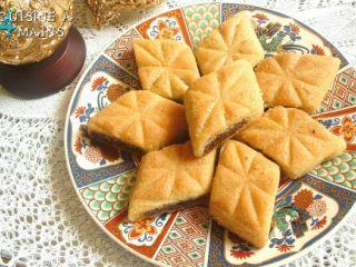 Makrout (semoule, datte et miel)